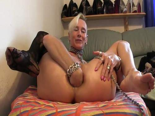 Crazy skinny mature stretching solo her anal hole - close up, pussy insertion