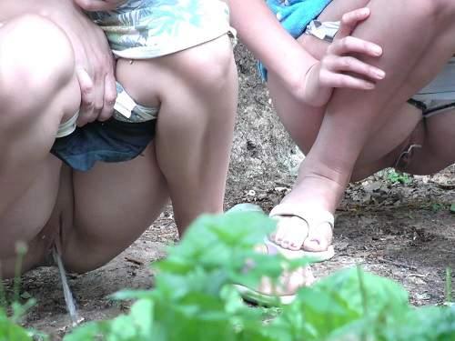 Russian girlfriends outdoor voyeur peeing porn - spy cam, outdoor peeing