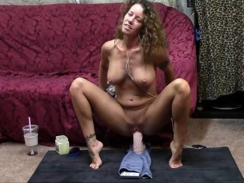 busty amateur big dildo