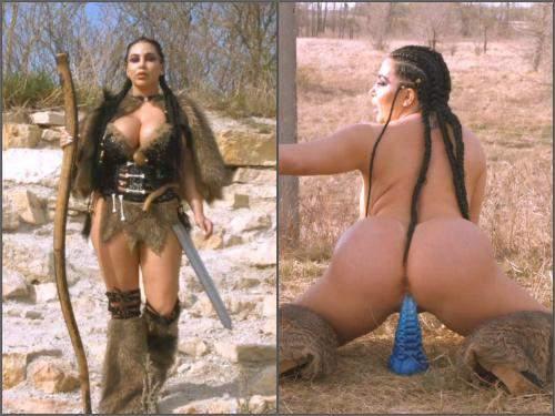 Warrior amazon girl rides on a huge tentacle dildo outdoor - booty girl, creampie vaginal