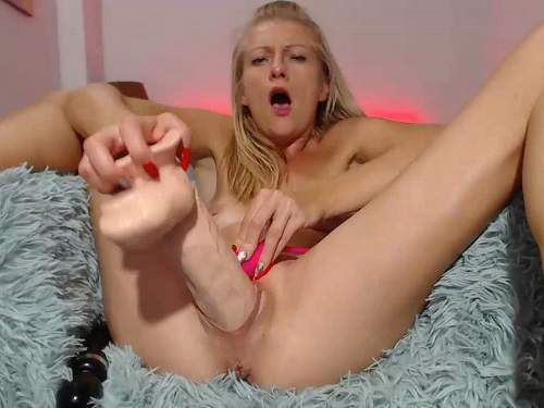 Dildos In Pussy
