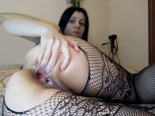 Large labia russian camgirl Kristinaslut self fisted her gaping hole - anal fisting, russian girl