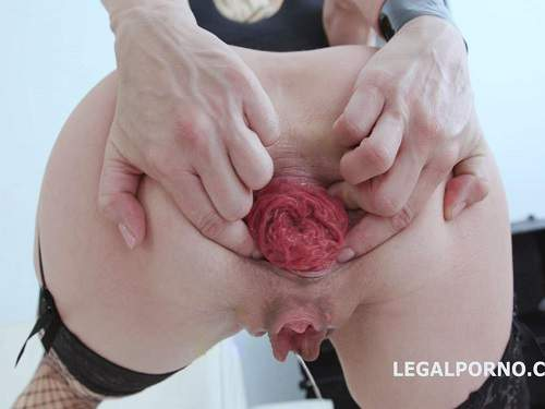 Sindy Rose double dragon dildos and gets fisted in monster anal prolapse - anal fisting, dildo riding