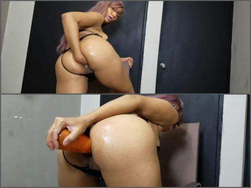Big ass Anne Michelle fist and big carrot up my big butt - vegetable porn, busty girl