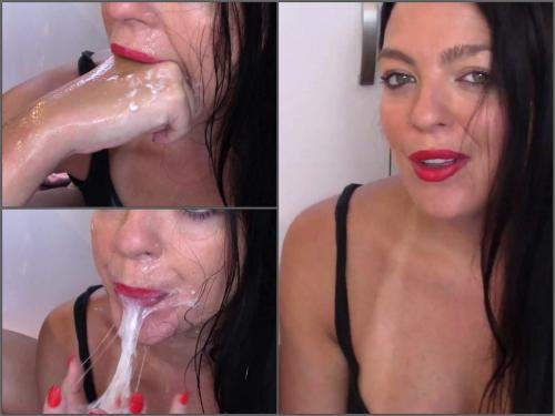 Amateur Evamarie88 sexy girl pukes and spit fetishes - throat gaggers, puke