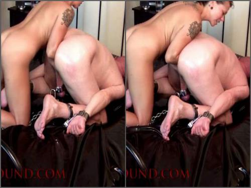 Again amateur elbow anal fisting female domination to bald slave - femdom fisting, deep fisting