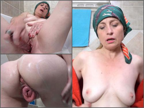 Horny 72 years old grandma prolapse her pussy with blood – Premium user Request - closeup, 4k porn